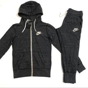 Women's Nike Zip-Up Hoodie & Cropped Pants